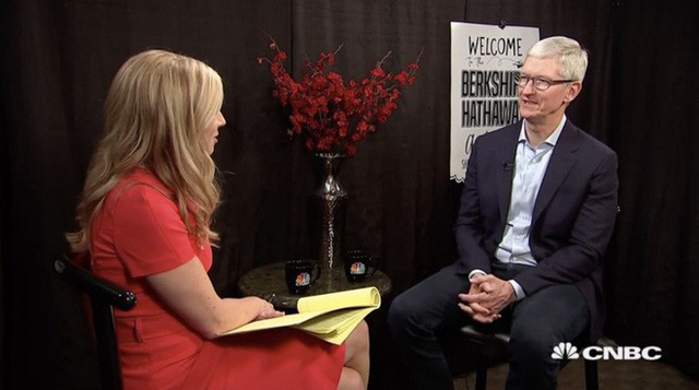Khi cả thế giới đua nhau trở thành công ty công nghệ thì Tim Cook lại nói Apple không còn là công ty công nghệ - Ảnh 1.