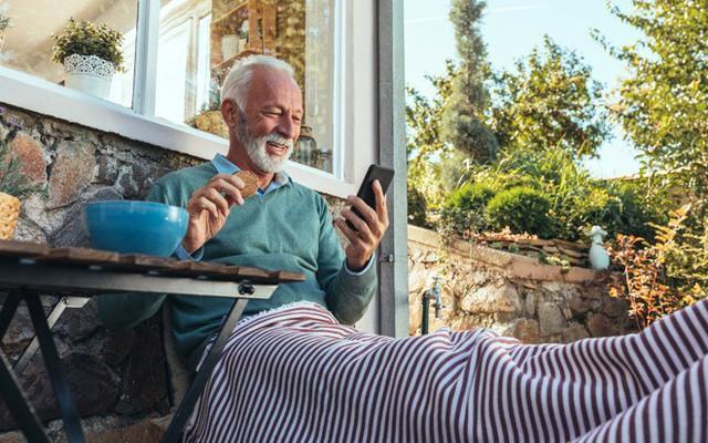 Thói quen sử dụng iPhone có thể phản ánh mức độ suy giảm nhận thức theo tuổi tác - Ảnh 1.