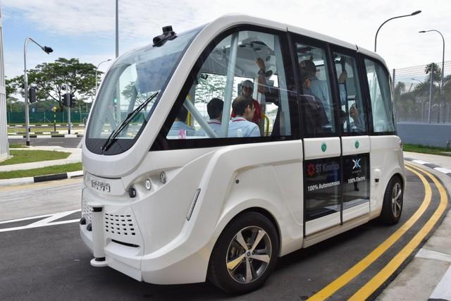 Singapore - Thành phố thông minh nhất thế giới: Khi công nghệ trở thành chìa khóa phát triển, robot thay thế con người, cột đèn đường cũng ở một đẳng cấp khác! - Ảnh 2.