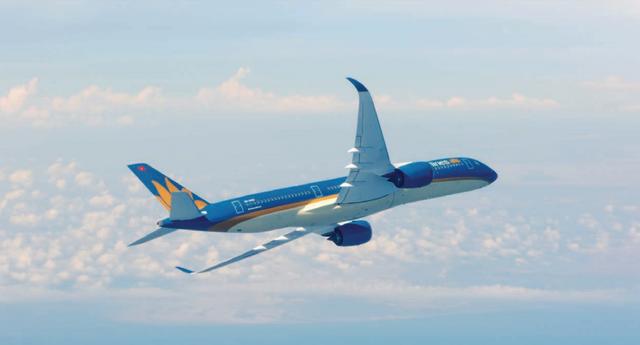 Đưa hơn 1,4 tỉ cổ phiếu lên sàn niêm yết, Vietnam Airlines đang đối mặt những rủi ro kinh doanh nào? - Ảnh 1.