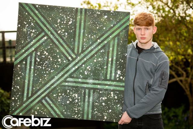 Bỏ học, chàng trai 17 tuổi kiếm £20,000 từ công việc bị mọi người coi là ngớ ngẩn - Ảnh 2.