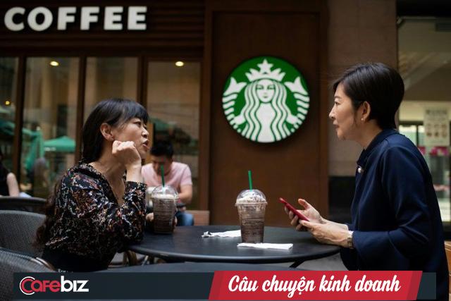 Luckin Coffee: Chuỗi cà phê địa phương đang ép Starbucks vào đường cùng ở Trung Quốc, tốc độ mở kinh hoàng 4h/cửa hàng, trở thành kỳ lân chỉ sau 9 tháng ra mắt - Ảnh 2.