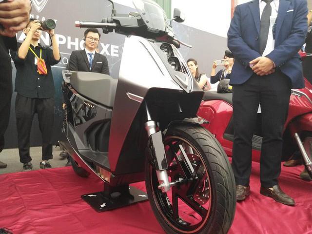 Lộ diện VinFast V9 - Xe máy điện nhanh và mạnh nhất sắp bán tại Việt Nam - Ảnh 1.