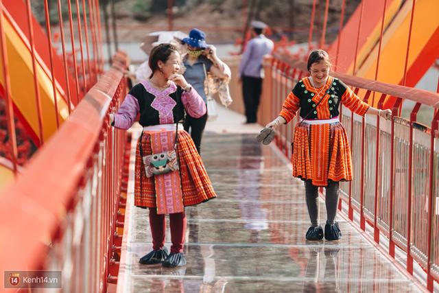 Tranh cãi xoay quanh yếu tố thẩm mỹ của cây cầu 5D đang gây sốt ở Mộc Châu: Khen đẹp thì ít nhưng chê bai sến súa, lạc lõng nhiều vô kể - Ảnh 17.