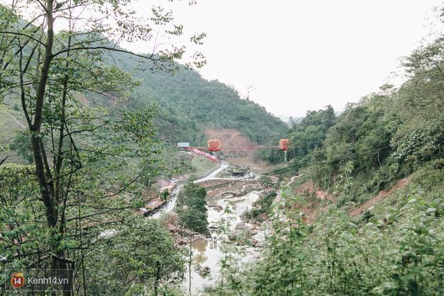 Tranh cãi xoay quanh yếu tố thẩm mỹ của cây cầu 5D đang gây sốt ở Mộc Châu: Khen đẹp thì ít nhưng chê bai sến súa, lạc lõng nhiều vô kể - Ảnh 21.