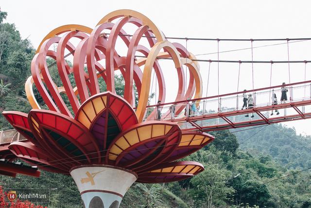 Tranh cãi xoay quanh yếu tố thẩm mỹ của cây cầu 5D đang gây sốt ở Mộc Châu: Khen đẹp thì ít nhưng chê bai sến súa, lạc lõng nhiều vô kể - Ảnh 6.