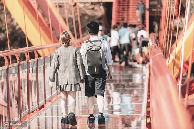 Tranh cãi xoay quanh yếu tố thẩm mỹ của cây cầu 5D đang gây sốt ở Mộc Châu: Khen đẹp thì ít nhưng chê bai sến súa, lạc lõng nhiều vô kể - Ảnh 28.
