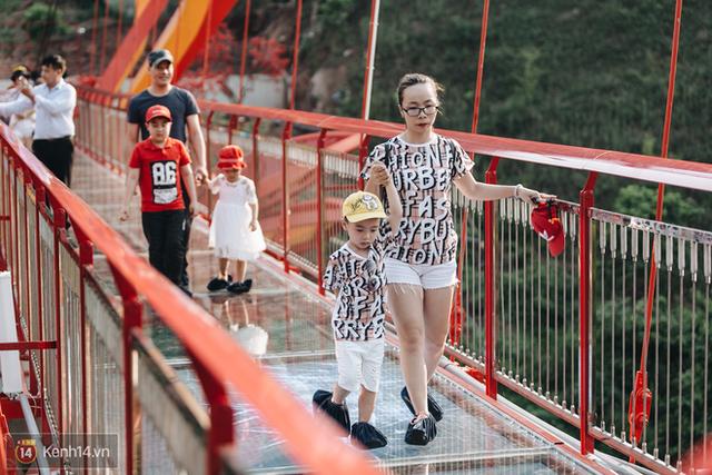 Tranh cãi xoay quanh yếu tố thẩm mỹ của cây cầu 5D đang gây sốt ở Mộc Châu: Khen đẹp thì ít nhưng chê bai sến súa, lạc lõng nhiều vô kể - Ảnh 29.