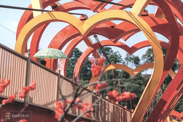 Tranh cãi xoay quanh yếu tố thẩm mỹ của cây cầu 5D đang gây sốt ở Mộc Châu: Khen đẹp thì ít nhưng chê bai sến súa, lạc lõng nhiều vô kể - Ảnh 31.