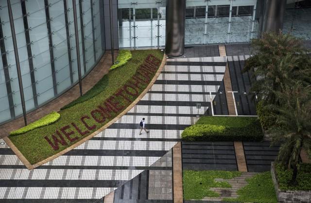 Đại bản doanh của Huawei ở Trung Quốc đẹp tựa châu Âu thu nhỏ, nhân viên đi làm mà cứ như đi nghỉ dưỡng - Ảnh 4.