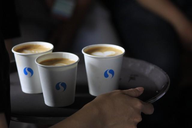 Tự sự của ông chủ SHIN Cà Phê: 1 ký cà phê bán ra thị trường 6.000 đồng trong khi bán cho chúng tôi 10.000-12.000 đồng, giá gấp đôi thì nỗ lực gấp đôi! - Ảnh 1.