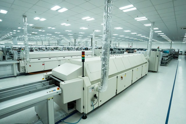 Vingroup khởi công nhà máy điện thoại thông minh công suất 125 triệu máy/năm - Ảnh 2.