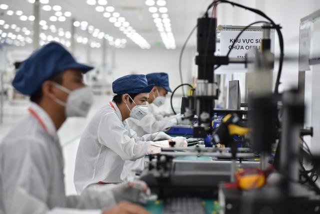 Vingroup khởi công nhà máy điện thoại thông minh công suất 125 triệu máy/năm - Ảnh 1.