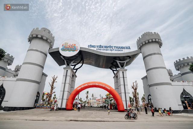 Người dân Hà Nội thích thú trải nghiệm công viên nước hiện đại nhất Thủ đô trong ngày đầu mở cửa - Ảnh 4.