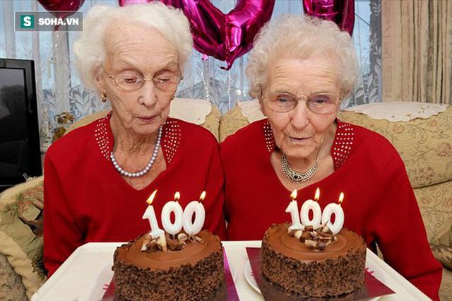Cặp song sinh 100 tuổi: Tất cả bí quyết sống thọ chỉ là làm tốt 3 việc đơn giản hàng ngày - Ảnh 1.