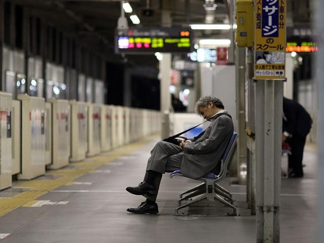 Mặt trái của nền văn hóa quá... lịch sự: Người Nhật ngày càng hung hãn - Ảnh 4.