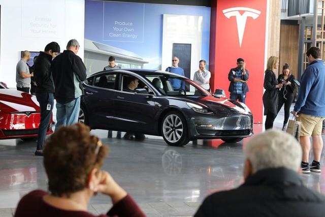 Hãy xem chừng: Trâu mộng Tesla sắp quay lại đường đua - Ảnh 4.
