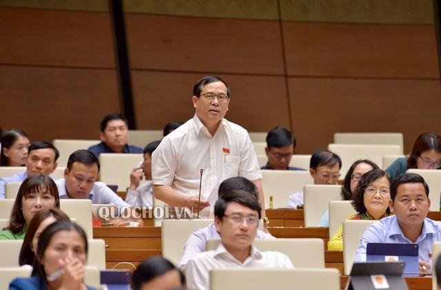 Đại biểu Quốc hội đề xuất phí chia tay, công dân phải đóng 3-5 USD khi xuất cảnh - Ảnh 1.