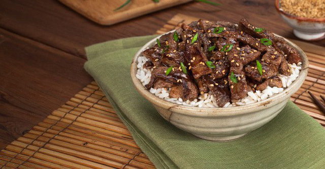 Nhật Bản (lại) có phát minh ẩm thực độc đáo: Cơm đóng lon đầy đủ dinh dưỡng không lo bị đói khi có động đất - Ảnh 2.