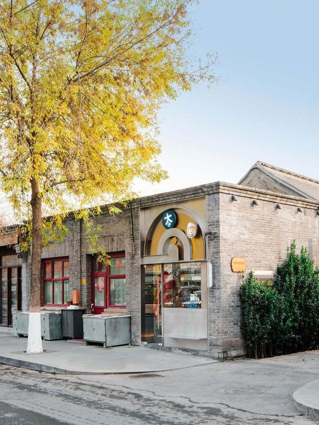 Độc đáo quán cà phê chỉ 10m2 trên báo ngoại - Ảnh 3.