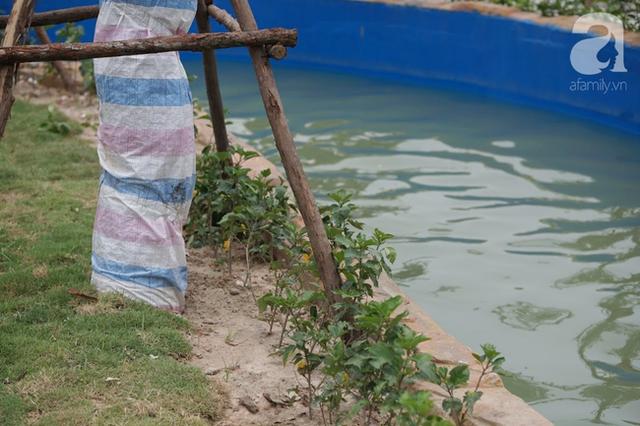 Mới khai trương hơn 1 ngày, công viên nước lớn nhất Thủ đô đã đục ngầu như ao, rác nổi lềnh phềnh bể bơi - Ảnh 10.