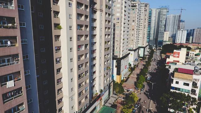 Bộ Xây dựng đề xuất mô hình giao cho chủ đầu tư tự quản lý, vận hành nhà chung cư, hoặc giao cho đơn vị quản lý, vận hành chuyên nghiệp - Ảnh 1.