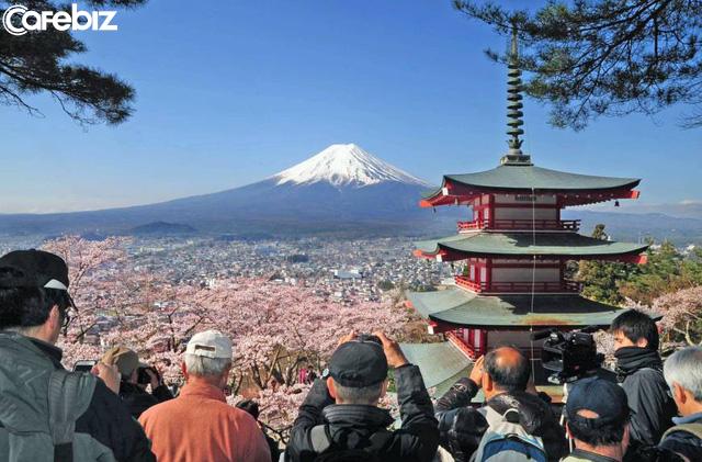 Nhật Bản thu 216.000 đồng phí chia tay cho mỗi hành khách xuất cảnh - Ảnh 1.