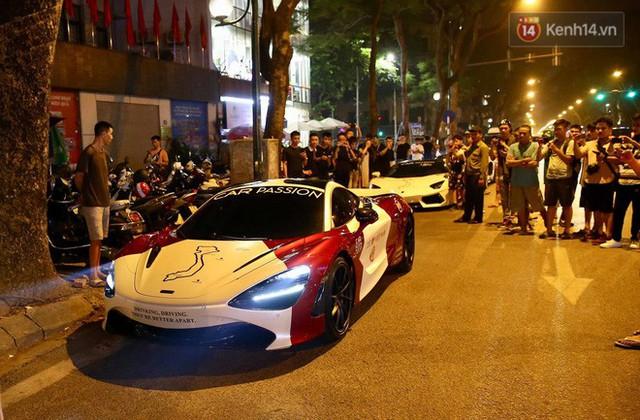 Clip: Dàn siêu xe hơn 300 tỷ rầm rộ tụ họp trên đường phố Hà Nội, Cường Đô La và vợ cũng xuất hiện với chiếc Audi R8V10 - Ảnh 8.