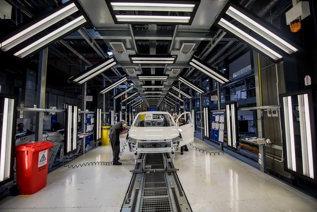 Hôm nay, VinFast khánh thành nhà máy sản xuất ô tô, lập kỷ lục thế giới về tốc độ chỉ trong 21 tháng - Ảnh 4.