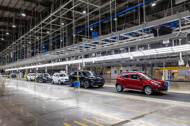 Hôm nay, VinFast khánh thành nhà máy sản xuất ô tô, lập kỷ lục thế giới về tốc độ chỉ trong 21 tháng - Ảnh 1.