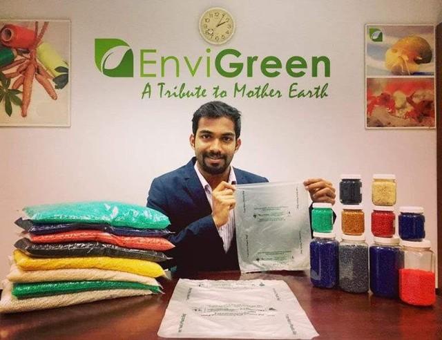 Startup Ấn Độ sáng chế thành công sản phẩm giống hệt túi nhựa nhưng có thể tan trong nước ấm và ăn được - Ảnh 1.