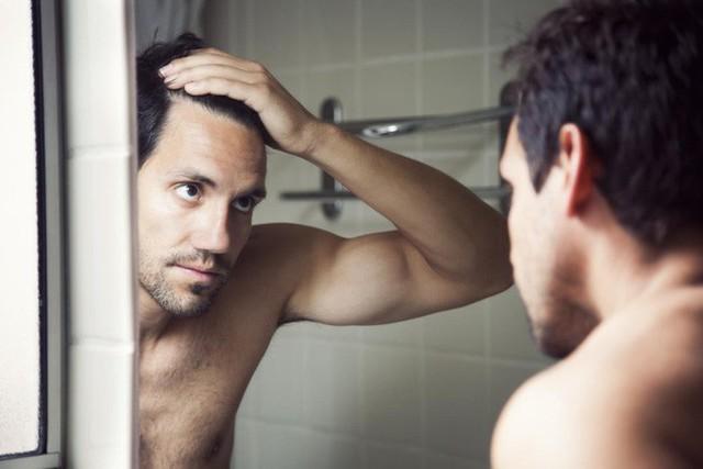 Đàn ông tự sướng quá nhiều sẽ bị hói đầu? Đây mới là sự thật này - Ảnh 2.