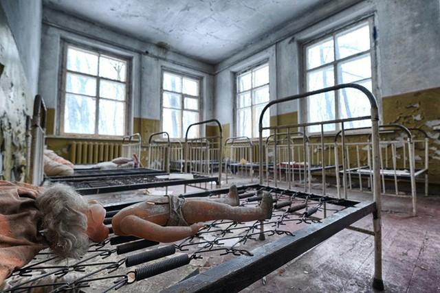 Từ vùng đất ma không ai dám bén mảng, nhà máy điện hạt nhân Chernobyl bỗng hóa xứ sở thần tiên đẹp lịm tim qua lăng kính của nhiếp ảnh gia - Ảnh 3.