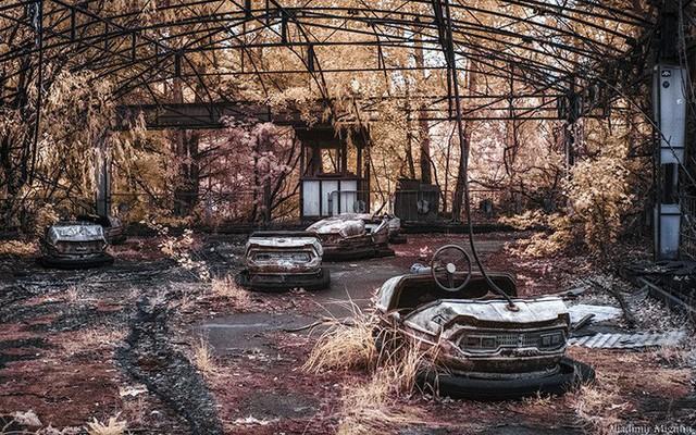 Từ vùng đất ma không ai dám bén mảng, nhà máy điện hạt nhân Chernobyl bỗng hóa xứ sở thần tiên đẹp lịm tim qua lăng kính của nhiếp ảnh gia - Ảnh 27.