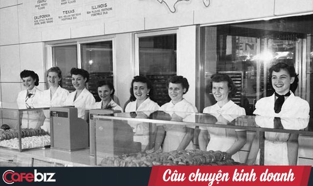 Krispy Kreme: Gần 90 năm chỉ bán mỗi bánh Donut, đi qua 2 cuộc khủng hoảng kinh tế, phát triển rực rỡ với hơn 1.100 cửa tiệm tại 25 quốc gia - Ảnh 3.