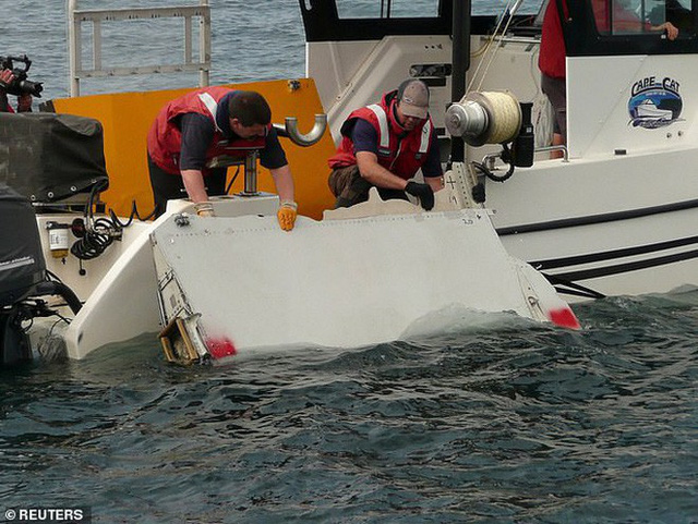 Tiết lộ mới gây sốc về MH370: Cơ trưởng có hành động lạ, hành khách có thể tử vong trước khi máy bay kịp rơi xuống biển - Ảnh 2.