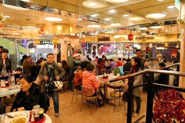 Bí quyết thành công của một thanh niên giao đồ ăn trở thành ông chủ chuỗi 70 nhà hàng khắp Hong Kong và Trung Quốc đại lục - Ảnh 2.