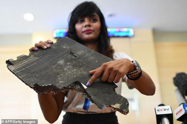 Tiết lộ mới gây sốc về MH370: Cơ trưởng có hành động lạ, hành khách có thể tử vong trước khi máy bay kịp rơi xuống biển - Ảnh 3.