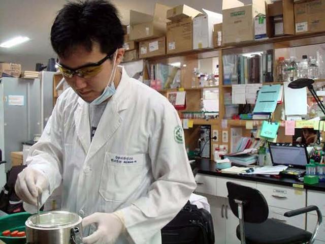 TS Việt tại Mỹ chỉ rõ sự thật về thực phẩm chức năng chữa ung thư đang được quảng cáo rầm rộ ở VN - Ảnh 2.