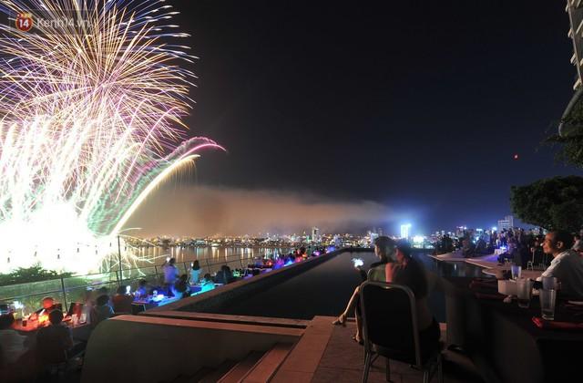 Ngắm màn tranh tài giữa Việt Nam và Nga trong Lễ hội pháo hoa quốc tế 2019 ở Đà Nẵng - Ảnh 10.