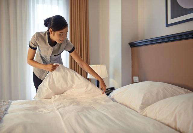 Làm người văn minh là tốt nhưng tuyệt đối đừng dọn giường gọn gàng khi trả phòng khách sạn, đây là lý do - Ảnh 2.