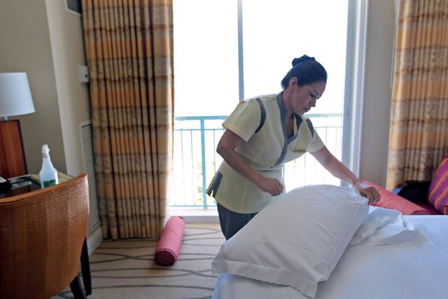 Làm người văn minh là tốt nhưng tuyệt đối đừng dọn giường gọn gàng khi trả phòng khách sạn, đây là lý do - Ảnh 3.