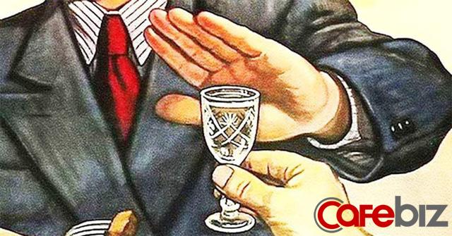 Mời khách 6 lần, chẳng việc nào làm được ra hồn: người trung niên, trong xã giao đừng quá trông mong vào một bữa cơm - Ảnh 1.