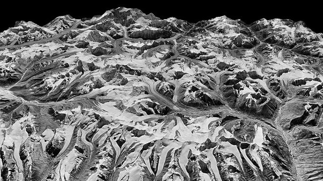 Vệ tinh gián điệp phát hiện bất thường ở dãy Himalaya, cảnh báo tai họa cho gần 1 tỉ người - Ảnh 1.