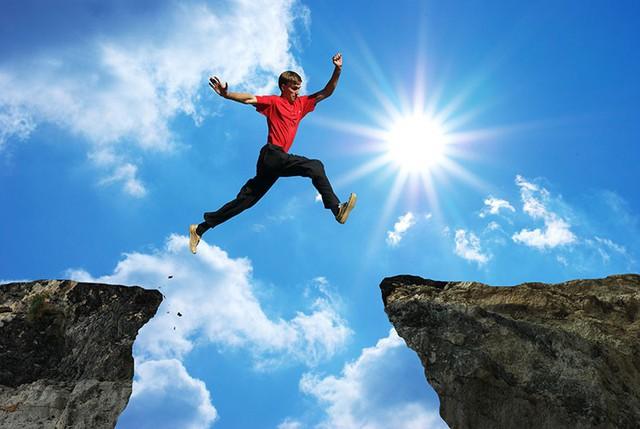 [Bài lên luôn] Tim Cook khuyên sinh viên mới ra trường: Dù làm gì cũng đừng phạm sai lầm là quá thận trọng, đừng cho rằng ở lỳ một chỗ mặt đất sẽ không di chuyển dưới chân bạn! - Ảnh 3.