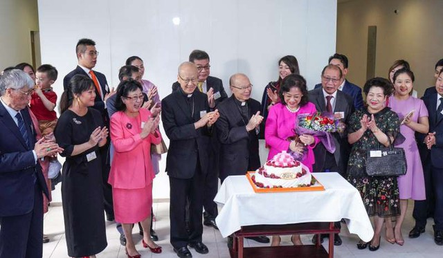 Rita Tong Liu – Người phụ nữ không chịu lui về làm dâu nhà giàu nay trở thành tỷ phú tự thân giàu thứ 3 xứ Cảng Thơm - Ảnh 4.