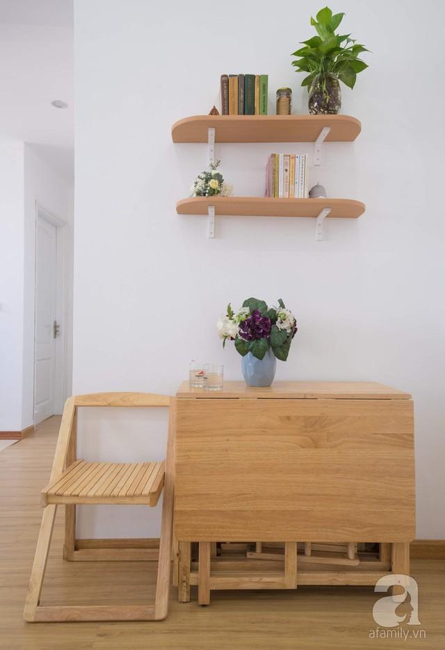 Căn hộ 66m² trên tầng cao với thiết kế đơn giản ở quận Thanh Xuân của gia chủ yêu màu xanh biển - Ảnh 2.