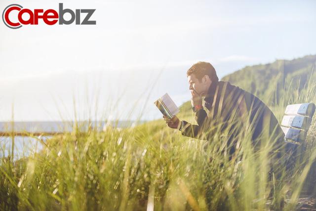 Đọc sách có 3 giai đoạn, đời người cũng có 3 tầng cảnh giới: Điều tuyệt diệu nhất trên đời là đọc sách và đọc chính chúng ta! - Ảnh 2.