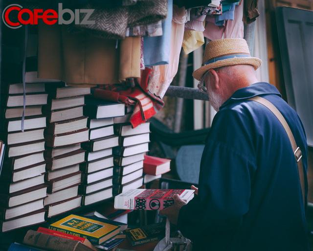 Đọc sách có 3 giai đoạn, đời người cũng có 3 tầng cảnh giới: Điều tuyệt diệu nhất trên đời là đọc sách và đọc chính chúng ta! - Ảnh 3.