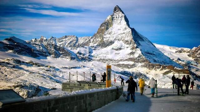 Nguy cơ biến mất những dãy núi phủ tuyết tại Thụy Sĩ do nắng nóng - Ảnh 1.